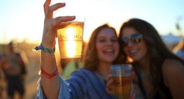 Festival de música en Dinamarca recolecta orina... ¡¿para hacer cerveza?!