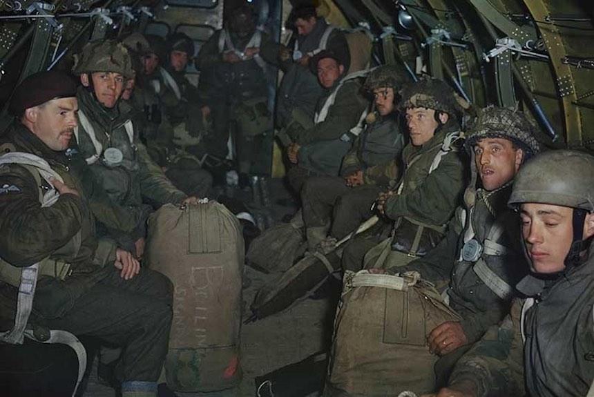 Segunda Guerra Mundial - Soldados en vuelo