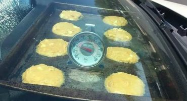 En Arizona hace tanto calor, que la gente está cocinando en los coches