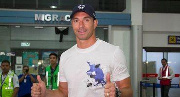 Carrizo llegó a Monterrey alentado por el Chupete Suazo