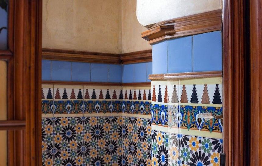 Casa de Antonio Gaudí - Paredes