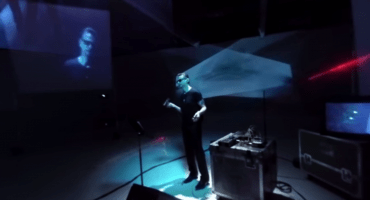 No van a poder parar con el nuevo video 360 grados de Depeche Mode