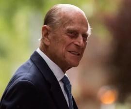 El duque Felipe de Edimburgo se encuentra hospitalizado