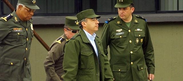 Policía federal y Felipe Calderón