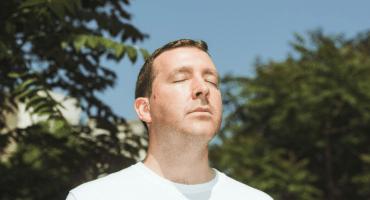 Saquen la locura de lo ordinario con este remix a Joe Goddard (Hot Chip)