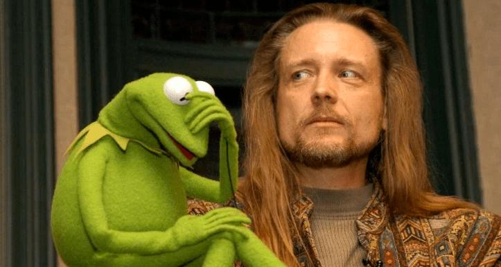 El actor detrás de la Rana René se ha salido de los Muppets
