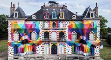 Un artista pinta un castillo abandonado y las imágenes son fantásticas
