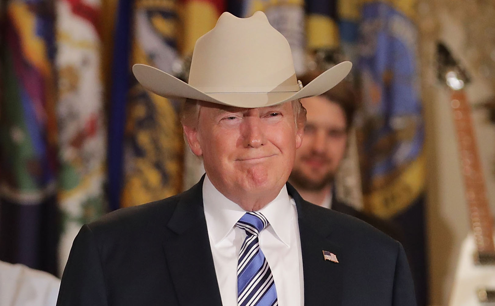 Donald Trump asesta golpe a Obamacare