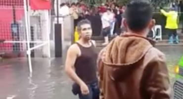 Entrepreneur Mexicano: En Ecatepec cobran 5 pesos por cargar a personas en charcos