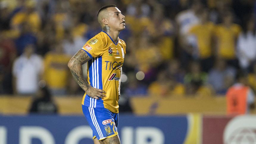 San Lorenzo quiere llevarse sí o sí a Eduardo Vargas
