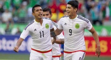 México derrota a Paraguay pero pierde a Alan Pulido por fractura