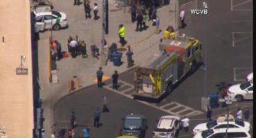 Auto embiste a grupo de peatones cerca del aeropuerto de Boston