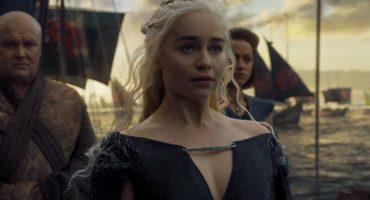 Brad Pitt ofreció $120,000 para ver Game of Thrones con Emilia Clarke (Nosotros hubiéramos pagado más)