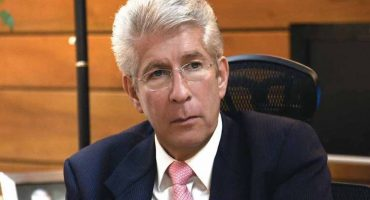 Piden renuncia de Gerardo Ruíz Esparza por socavón en Paso Exprés