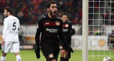 Oficial: Hakan Calhanoglu nuevo jugador del AC Milan