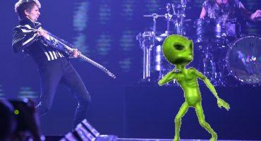 Matt Bellamy cree que fue abducido por los aliens ¡Y NADIE HACE NADA!