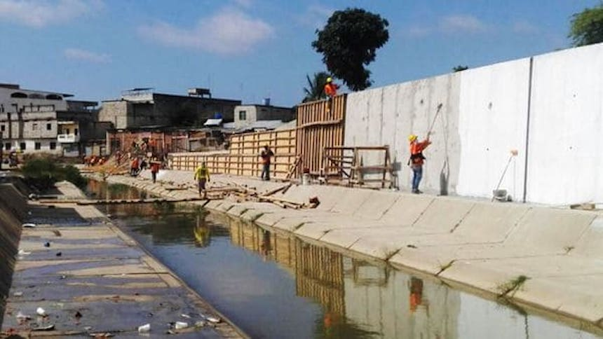 Muro entre Ecuador y Perú