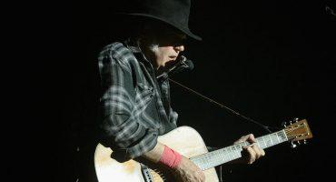 Neil Young nos regala un mensaje de paz en su nueva canción
