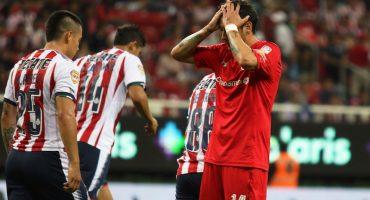 """Sambueza bromea con el regreso de Brizuela y la tribuna le grita """"cerdo, cerdo"""""""