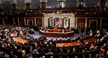 Cámara Baja aprueba mil 600 mdd para muro fronterizo; Senado tumba plan para derogar Obamacare