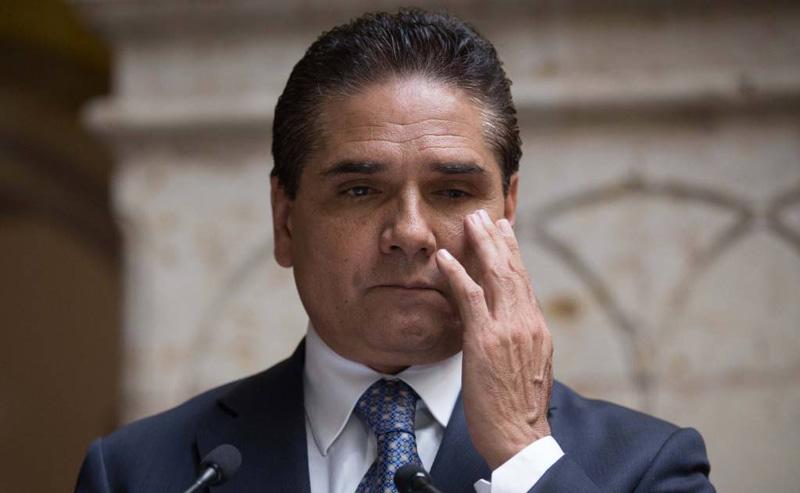Gobierno de Michoacán venderá aeronaves y otras cositas para pagar nómina del magisterio