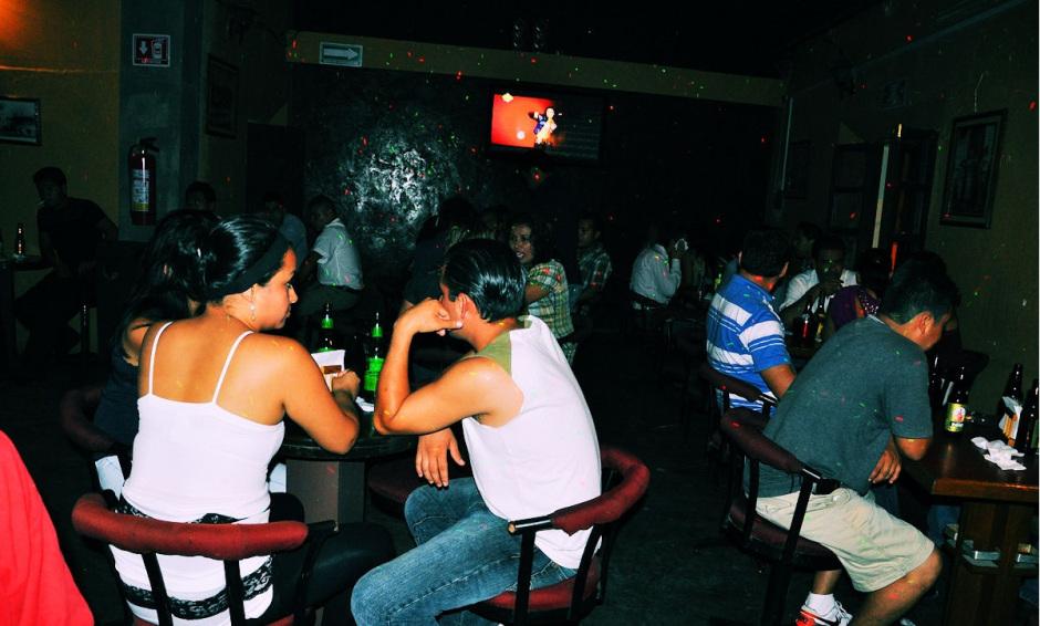 Menores en bares