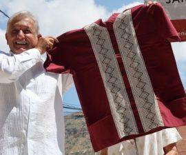 Andrés Manuel López Obrador critica a diario Reforma