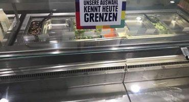 Así es como esta tienda en Alemania combate la xenofobia