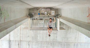 ¡Este diseñador construyó su estudio debajo de un puente!