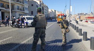 Vehículo embiste una parada de autobús en Marsella; se reporta una persona muerta