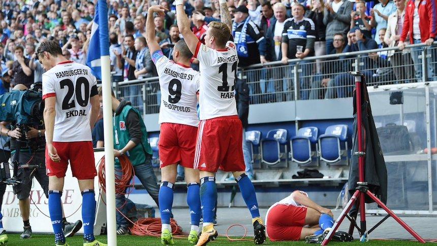 Nicolai Müller anota gol y se rompe la rodilla en el festejo