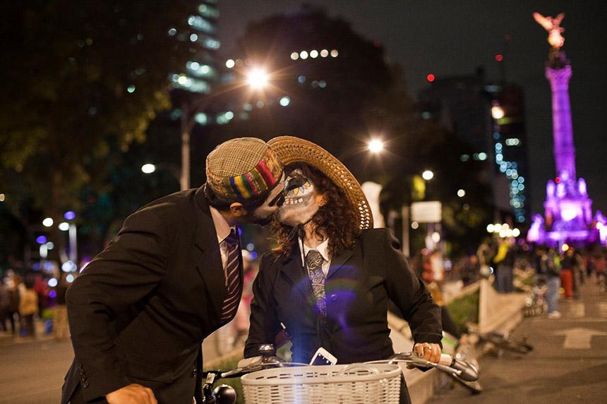 Paseo Nocturno Día de los Muertos