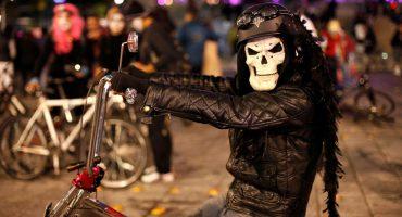 ¡Saca la bici!: El paseo nocturno del Día de Muertos regresa a la CDMX