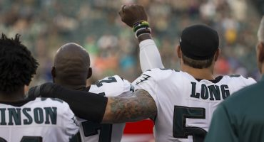Más protestas en la NFL durante el himno de los Estados Unidos