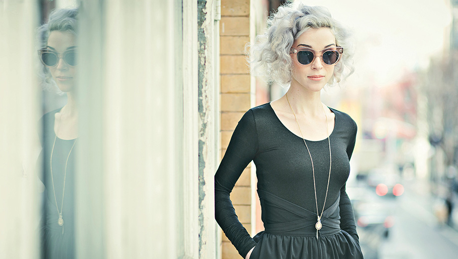 "St. Vincent hace cover a ""All You Need Is Love"" de The Beatles"