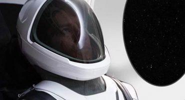 Elon Musk presenta el primer traje espacial de SpaceX
