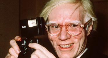 Las 6 mejores apariciones de Andy Warhol en la TV y el cine