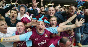 Aficionados del West Ham le cantan a Chicharito al ritmo de