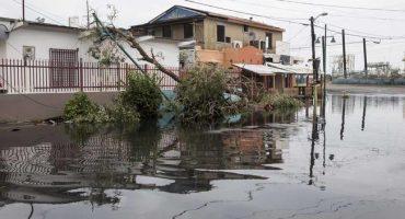 Falla presa en Puerto Rico por huracán 'María'; evacúan dos ciudades