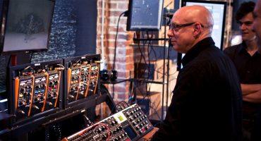 Brian Eno estrena colaboración con el pianista experimental Tom Rogerson