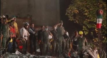 Tras rescatar a última persona en Ámsterdam, cantan himno nacional