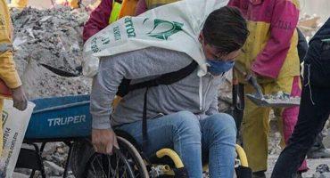 Este hombre en silla de ruedas se convirtió en héroe gracias a una foto