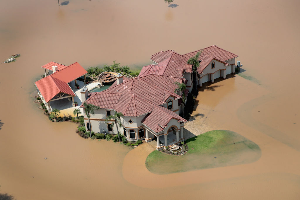 casa inundada en Houston