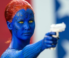 Jennifer Lawrance como Mystique