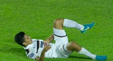Checa la impresionante lesión de Richard Prieto en Paraguay