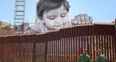 ¿Por qué hay una foto de un bebé en la frontera de México con E.U.?