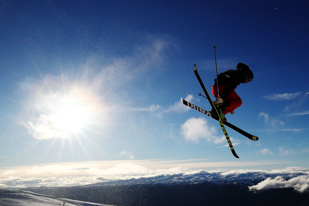 Kevin Rolland en salto de ski