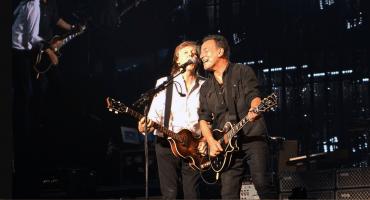Paul McCartney y Bruce Springsteen se unen para un cover a The Beatles