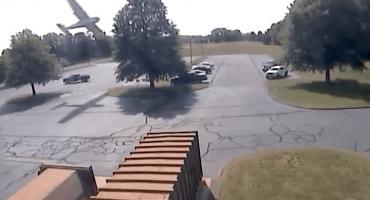 Piloto de 79 años se estrella contra árbol en Connecticut