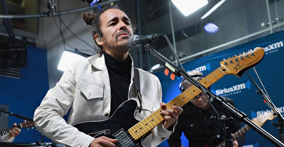 Rubén Albarrán realizará una firma y subasta en apoyo a damnificados